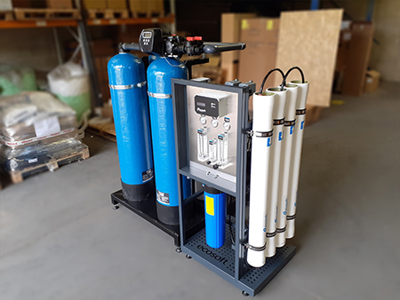 Complete RO and Skid with Softeners, Carbon and Brine Tank